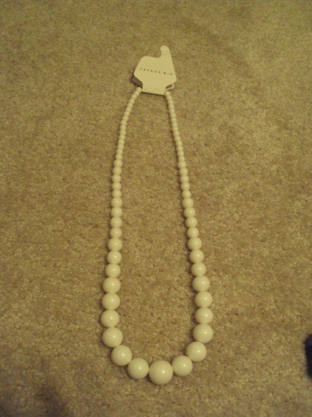 nwt womens too cute white necklace gifts